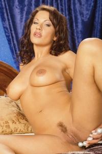 Kira Eggers 12