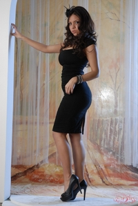 Yurizan Black Dress 04