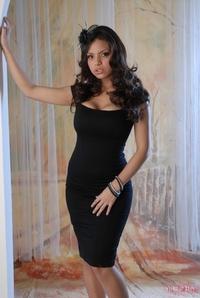 Yurizan Black Dress 08