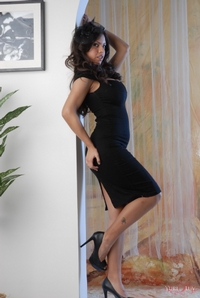 Yurizan Black Dress 09