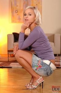 Jessica Bee 01