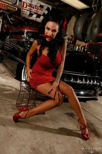 Angelina Valentine 00