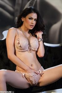 Vanessa Veracruz 02