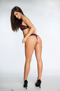 Lily Carter In Sexy Panties  00