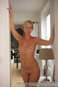 Kate Nude In The Kitchen 00