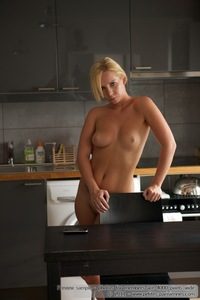 Kate Nude In The Kitchen 02