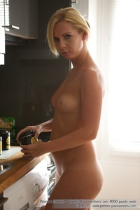 Kate Nude In The Kitchen 04