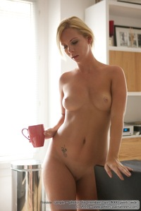Kate Nude In The Kitchen 07