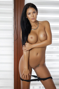 Gorgeous Brunette Glamour Babe Kendra Strips 03