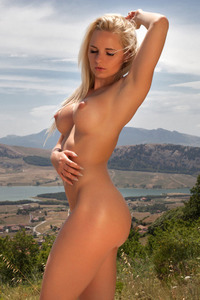 Hot Glamour Model Victoria Angel Undressing Outdoors 09
