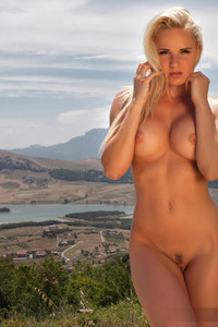 Hot Glamour Model Victoria Angel Undressing Outdoors 10