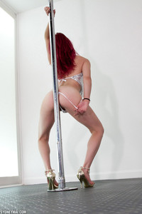 Sydney Mai Pole 14