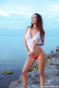 Adrienne Levai Near The Lake 02