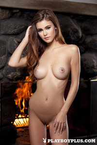 Brunette Young Girl Waiting For Romantic Night 11