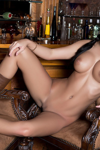 Autumn Lynn Posing Naked In The Bar 07