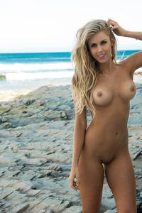 Naked Beauty Kayla Rae Reid  00