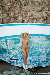Naked Beauty Kayla Rae Reid  01