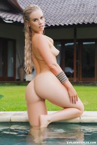 Alana Wolfe Posing In The Garden 07