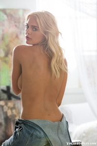 Blonde Playboy Bunny Rachel Harris In Jeans Style 04