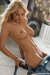 Blonde Playboy Bunny Rachel Harris In Jeans Style 11