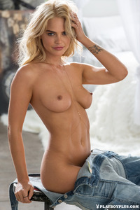 Blonde Playboy Bunny Rachel Harris In Jeans Style 12