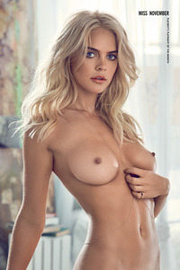 Blonde Playboy Bunny Rachel Harris In Jeans Style 16