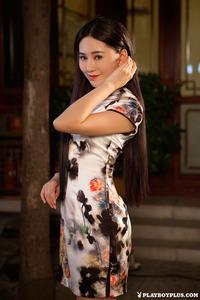 Sexy Asian Playmate Wu Muxi Posing In Silk Kimono 02