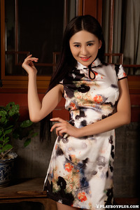 Sexy Asian Playmate Wu Muxi Posing In Silk Kimono 04