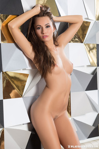Michaela Isizzu Shows Us Her Sun Kissed Flawless Body 08