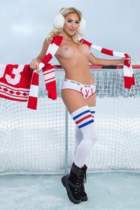 Khloe Terae Sexy NHL Babe 03