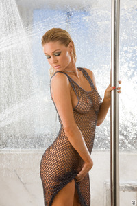 Kelly Carrington Takes A Hot Shower 00