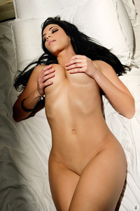 Melany Denyse Gets Nude On A Bed 02