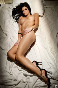 Melany Denyse Gets Nude On A Bed 04