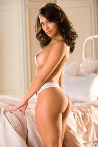 Busty Latina Playboy Cybergirl Alinna Penta 05
