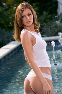 Jillian McCarty Gets Wet In The Pool 01