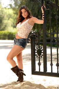 Busty Playboy Coed Jessica Jey 00