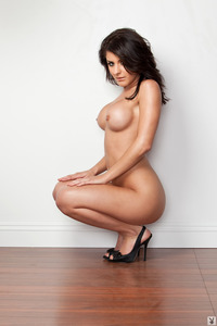 Gorgeous Playmate Krystal Harlow 09