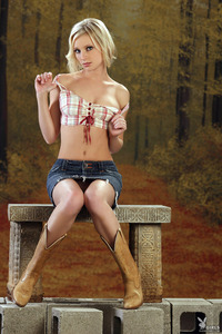 Hot Playboy Coed Amanda Ewell 02
