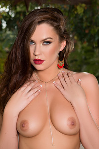 Ashleigh Rae Naked In The Garden 03