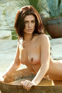 Eva Hilovski Gets Wet Outside 08