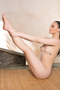 Skylar Leigh Doing Yoga 09