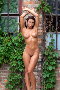 Mariana Pinter Hungarian Playboy Girl 04