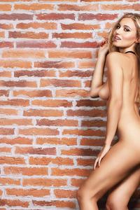 Sexy Romanian Playmate Aurora Marchesani 06