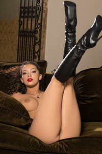 Busty Playboy Babe Kelsi Shay In Sexy Boots 07