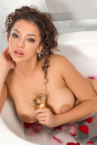 Sexy Playboy Babe Kelsi Takes A Hot Bath 14