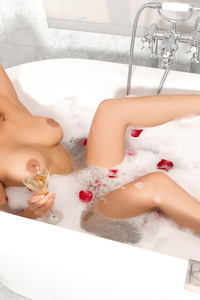 Sexy Playboy Babe Kelsi Takes A Hot Bath 15