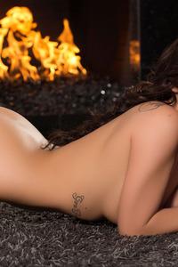Amazing Playboy Cybergirl Shelly Lee Poses Naked 08