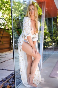 BAILEY RAYNE IN CLEAR AS DAY 00
