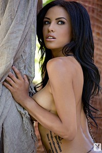 Beautiful Exotic Playmate Kylie Johnson 04