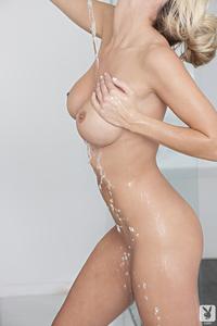 Nice Boobed Jessie Ann - Bubble Bath Babe 10